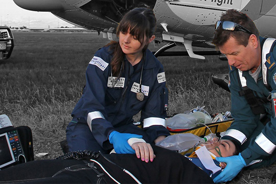how to become a paramedic qld